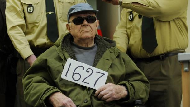 Fotos von Iwan Demjanjuk im Konzentrationslager Sobibor aufgetaucht