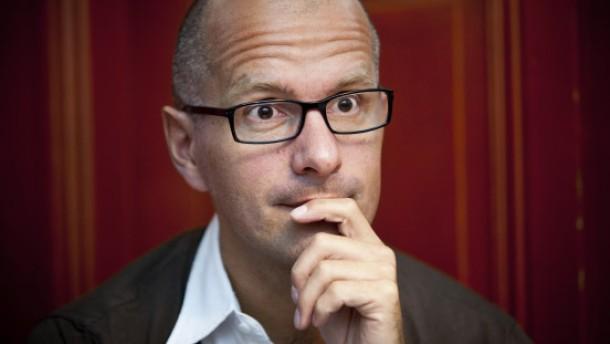 Christoph Maria Herbst mit schwarzen Stellen