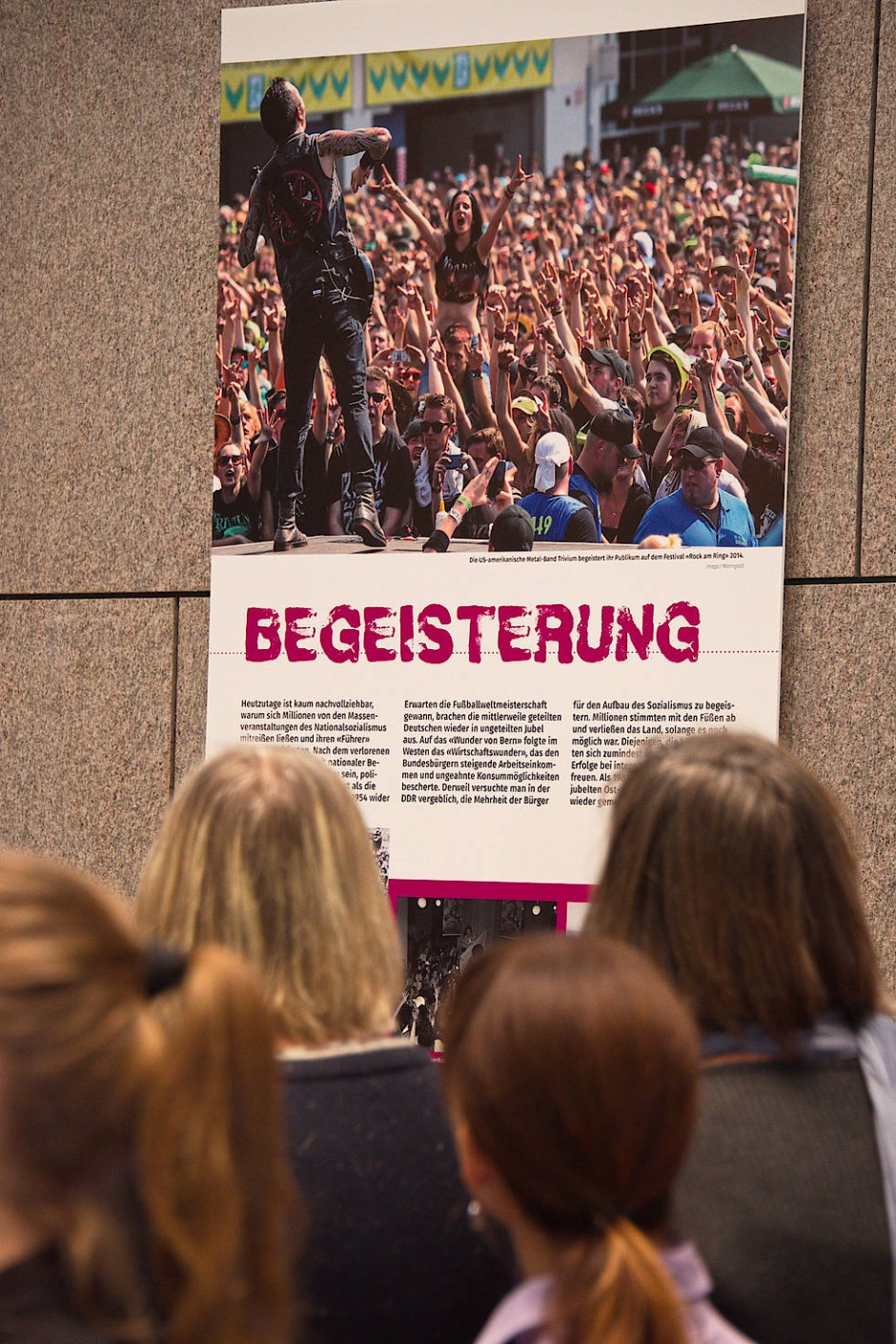 """Emotionen auf Plakat: """"Wut"""" und """"Angst"""" dominieren den Blick auf die gesellschaftliche Entwicklung in Deutschland."""