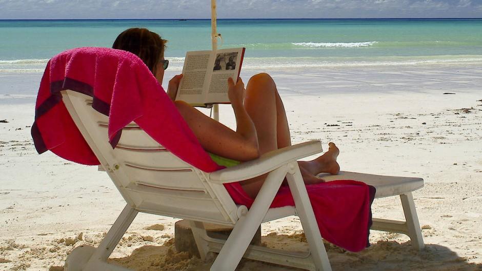Ob auf den Seychellen oder an der Ostsee, in Balkonien oder den Bergen: Wer liest, ist an mehreren Orten zugleich.