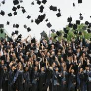 Auch für ein Studium muss man sich erst mal entscheiden, und selbst danach ist nicht alles klar: Absolventen der Internationalen Universität Bremen