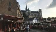 Die schöne Allianz aus Lebenslust und Genusssucht: Feierlaune im Viertel Saint-Leu unterhalb der Kathedrale