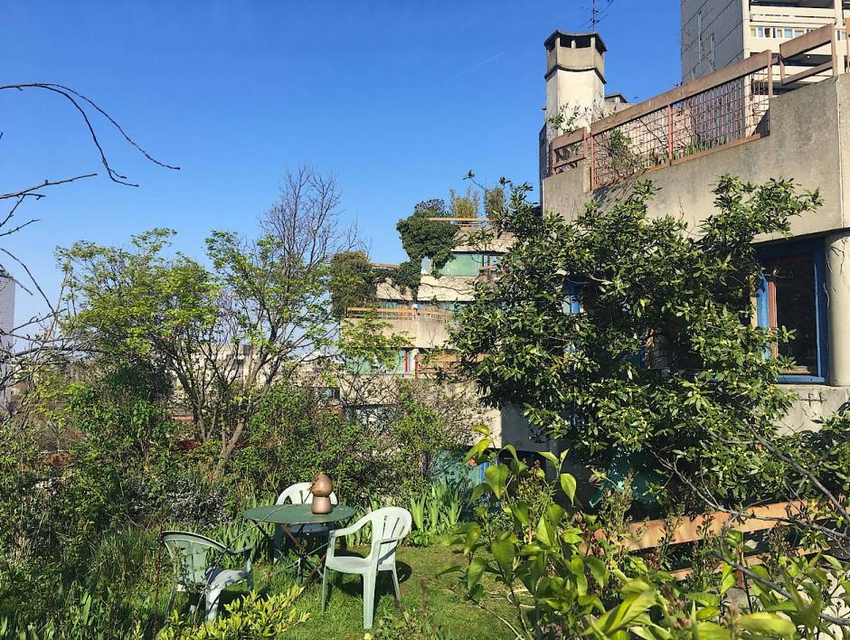 Das hier ist kein Haus auf dem Land, sondern Massenwohnungsbau in Paris: In Gailhoustets Terrassenhaus gibt es auch im zehnten Stock Gärten.