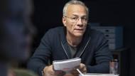 Nachts im Präsidium: Max Ballauf (Klaus J. Behrendt) lauscht den Einschätzungen der Kollegin.
