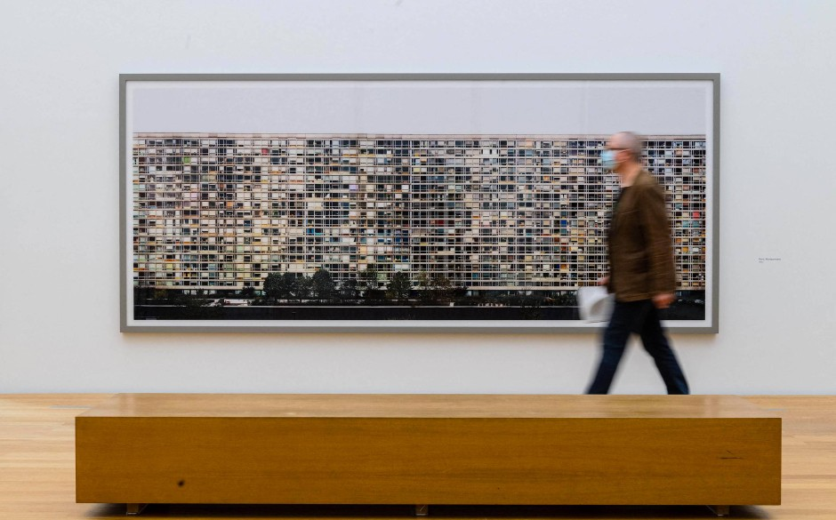 "Andreas Gurskys ""Paris, Montparnasse"" (1993)"