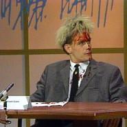 Für Aufmerksamkeit sorgen: Rainald Goetz, nachdem er sich beim Bachmannpreis 1983 die Stirn aufgeritzt hat.