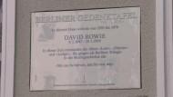 Berlin ehrt David Bowie mit Gedenktafel