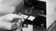 Lang ist's her: Früher war die sogenannte Floppy-Disc, zu Deutsch: Diskette, State of the Art. Bis sie von der CD abgelöst wurde.