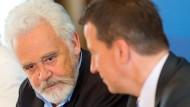 Intendant vom Deutschlandradio, Willi Steul (l.) und Ralf Ludwig, Verwaltungsdirektor des Mitteldeutschen Rundfunks.