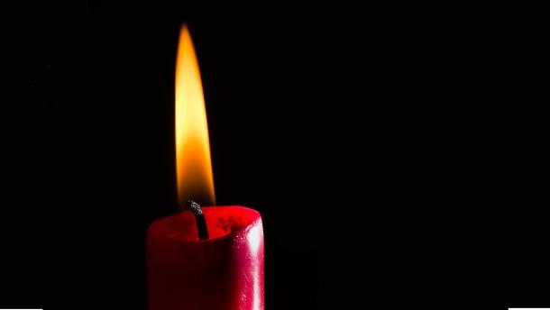 Wie eine Kerze brennt – und wie sie erlischt