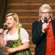 """Wenn Marianne und Michael an den Mikrofonen Mundbewegungen machen, ist die Stimmung im """"Musikantenstadl"""" für gewöhnlich auf dem Höhepunkt."""