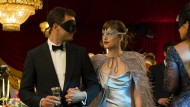 "Der will nur spielen: Jamie Dornan und Dakota Johnson in ""Fifty Shades Darker"""