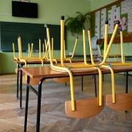 Werden jetzt bald wieder überall in den Schulen die Stühle hochgestellt?