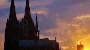 Kölner Dom bleibt auf der Roten Liste der Unesco