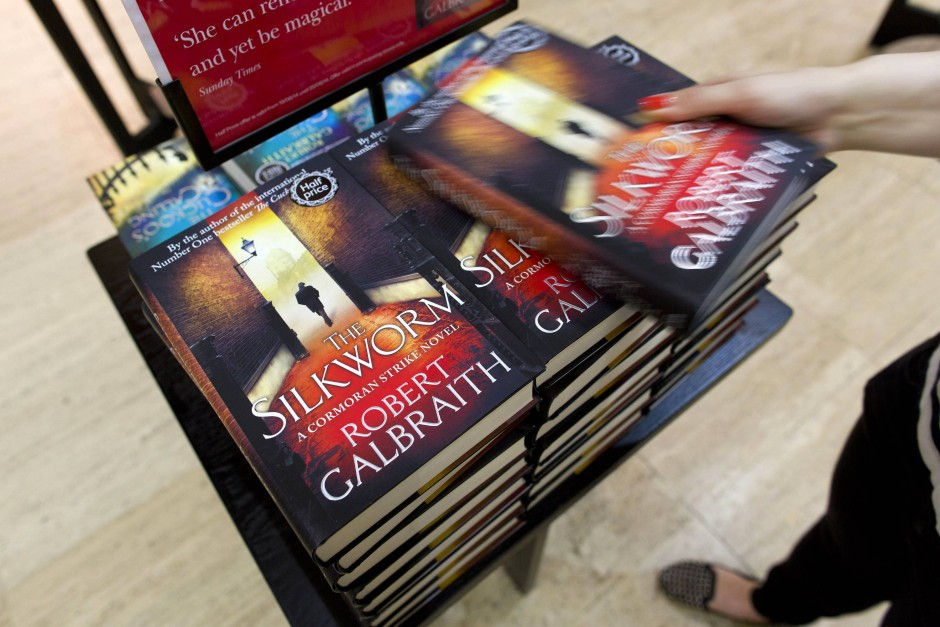 """""""The Silkworm"""" erscheint unter dem Pseudonym Robert Galbraith"""