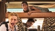 """Die beiden Todkranken Andi (Matthias Schweighöfer) und Benno (Florian David Fitz) machen sich in """"Der geilste Tag"""" mit einem Haufen gestohlenem Geld auf die letzte Reise ihres Lebens."""