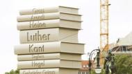 Wer reinkommt, ist drin: Beginnt nun der Frühjahrsputz für den Literaturkanon des 20. Jahrhunderts?