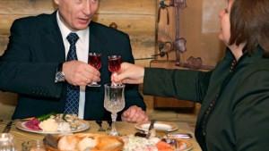 Putins Partei gewinnt Wahlen deutlich