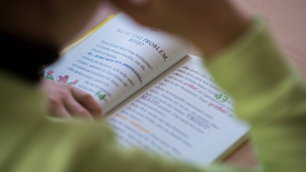 Was wunderst du dich, dass ich nicht gut lesen kann?