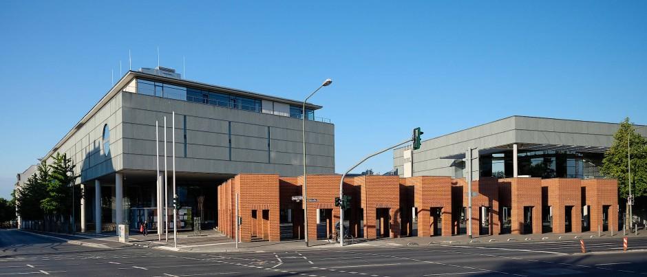 Der Neubau der Deutschen Bibliothek in Frankfurt war 1990 gerade begonnen worden.