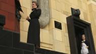 """Hilfe, die Russen: Für das monumentale Kunstprojekt """"Dau"""" soll in der Hauptstadt ein ganzer Stadtteil mit einer """"Berliner Mauer"""" umbaut werden."""