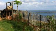 Am Ende des Krieges waren die Tamil Tigers auf einer winzigen Fläche auf der Jaffna-Halbinsel im Norden Sri Lankas eingepfercht. Arudpragasam erzählt eine Geschichte aus der inneren und äuß0eren Beklemmung.