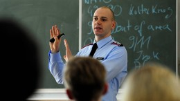 Militärpropaganda im Politikunterricht?