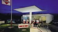 Wie in einem Film noir: Das könnte die Tankstelle sein, in der Adorno nach seiner Wiederkehr aus dem amerikanischen Exil den Tankwart wiedererkennt.