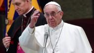 Papst Franziskus bei einer Audienz im Vatikan