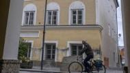 Geschütztes Denkmal mit unrühmlicher Geschichte: Das Geburtshaus Hitlers in Braunau am Inn