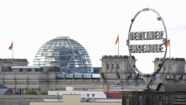 Berliner ensemble kein praktikum f r christian klar for Praktikum modedesign frankfurt