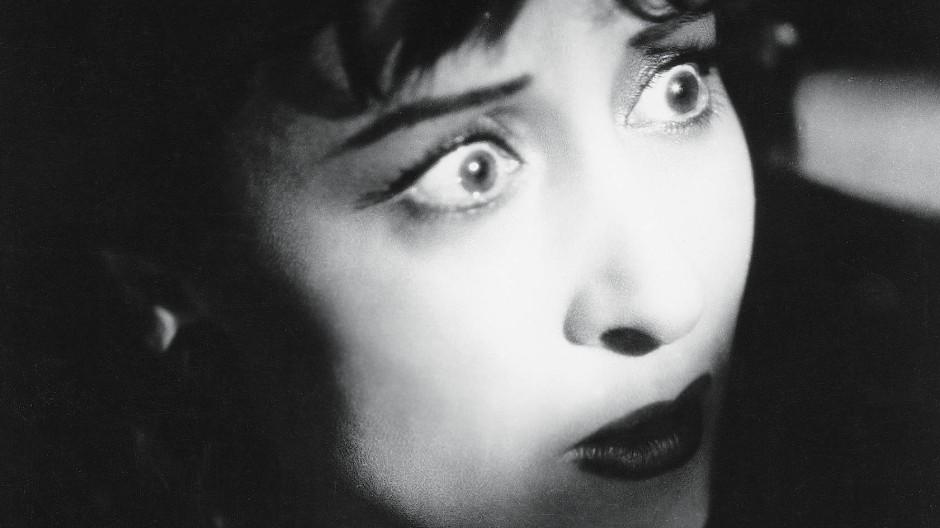 """So nah die Angst: Clara Calamai in Luchino Viscontis Frühwerk """"Besessenheit"""" aus dem Jahr 1942"""