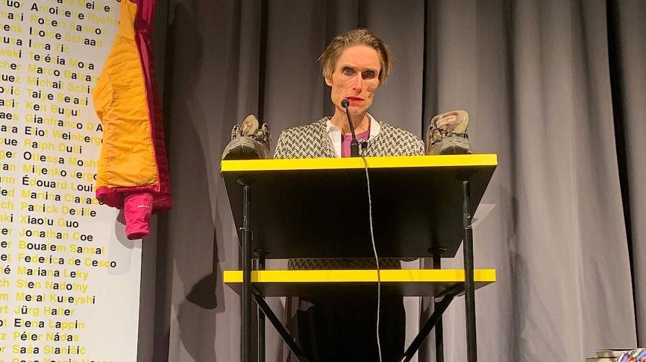 Wandert durch Sprachlandschaften: Madame Nielsen in Zürich