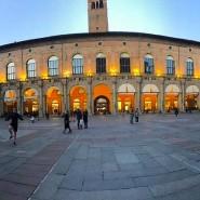 Die Piazza Maggiore in Bologna