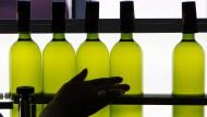 Welches ist der richtige Griff zur Flasche?