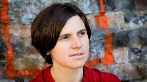 """Judith Schalansky -  die deutsche Schriftstellerin wird für die Sonntagszeitungs-Literaturbeilage """"20 Autoren unter 40"""" porträtiert"""