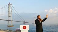Politiker sind wie Werbeleute, sie verkaufen Träume. Das ist auch bei Erdigan nicht anders, der das Präsidialsystem in der Türkei einführen will.