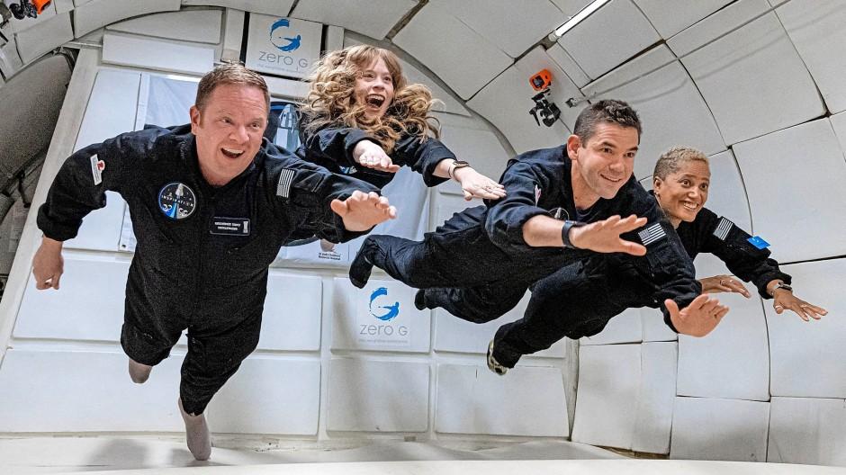 Wollen bald abheben: die vier Weltraumtouristen von SpaceX