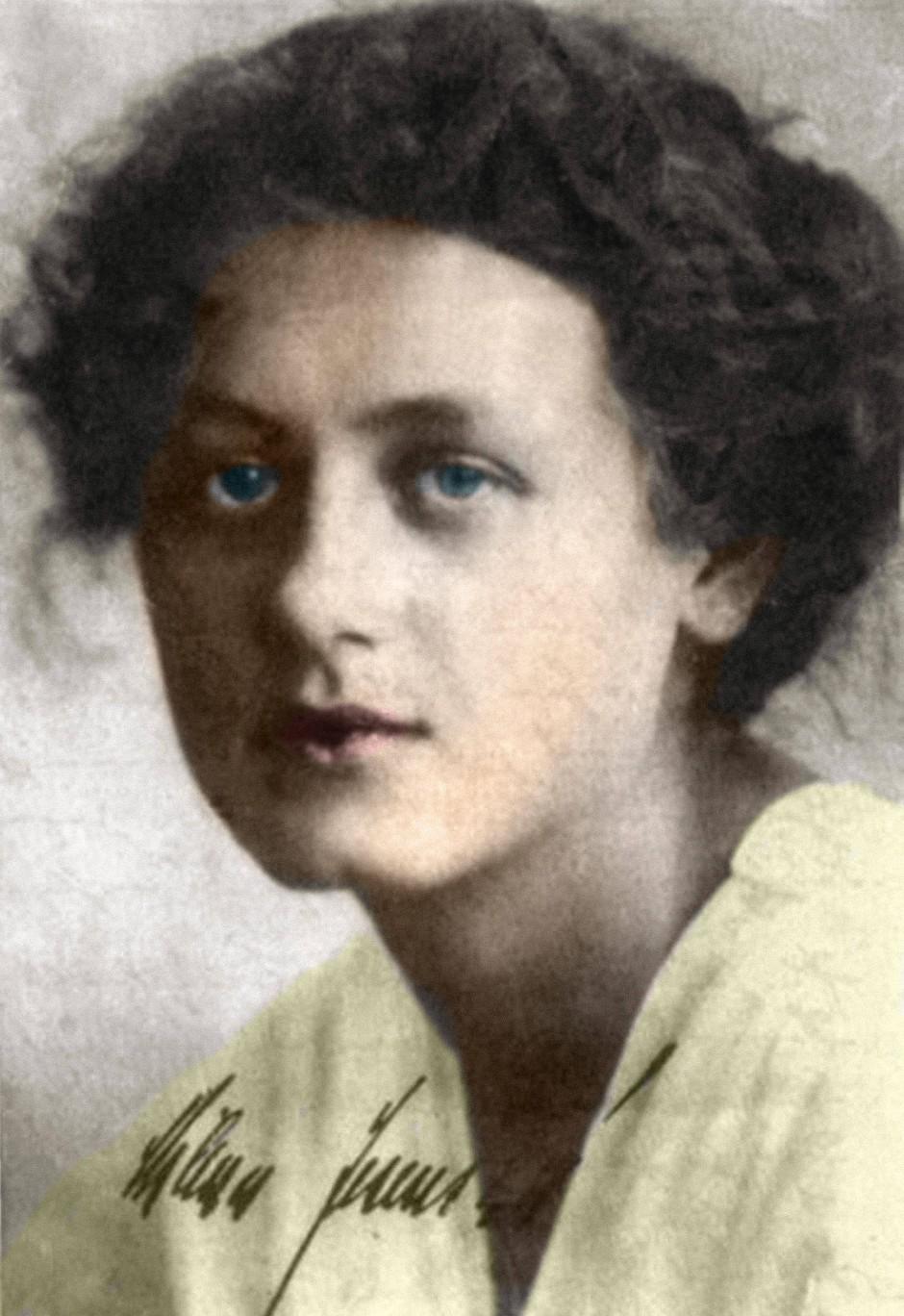 Die Journalistin und Autorin Milena Jesenskás