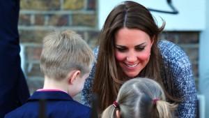 Das perfekte Plastiklächeln der Kate Middleton