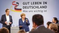 Was ist uns wichtig? Kanzlerin Angela Merkel beantwortet im Rahmen eines Bürgerdialogs in Duisburg-Marxloh die Fragen der Besucher