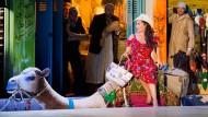 """Diese Rolle hat sie sich selbst zum Geschenk gemacht: Cecilia Bartoli als Isabella in einer Szene der Oper """"L'italiana in Algeri""""."""