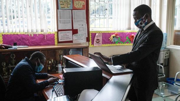 Das virtuelle Klassenzimmer in Afrika
