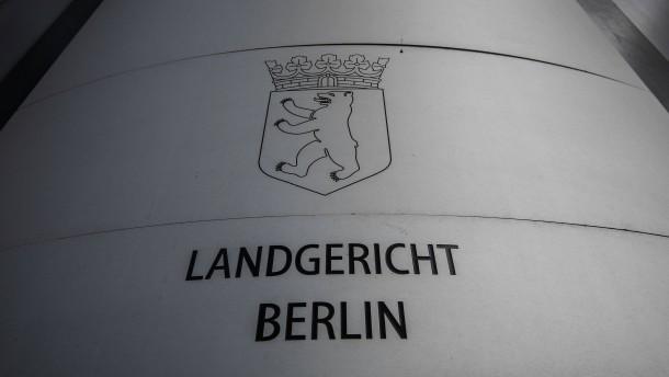 ZDF-Journalisten bei Prozess um Rechtsextremen angegriffen