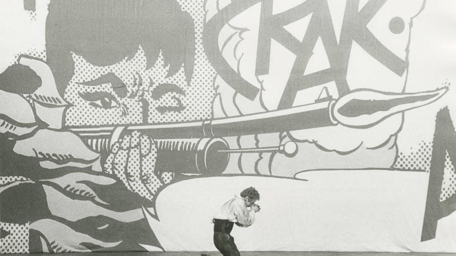 """Tendenz zur Werk-Untreue: Szene aus Peter Zadeks Bremer Inszenierung von Schillers """"Räubern"""" aus dem Jahr 1966"""