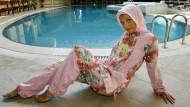 """Da wollen westliche Modehäuser doch auch mithalten: Präsentation """"islamischer Bademode"""" in Istanbul"""