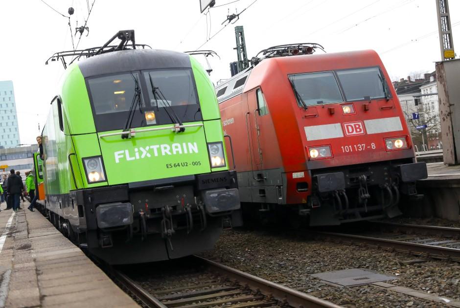 Grüne Konkurrenz: Flixbus nimmt jetzt auch auf der Schiene das Rennen mit der Deutschen Bahn auf.