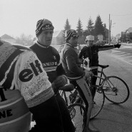 Natürlich spielt die Tour de France die Hauptrolle in dem Magnum-Bildband, wie auf diesem Foto von Guy Le Querrec. Hier ist das Renault-Elf-Team beim Wintertraining zu sehen, vorne Philippe Chevallier.