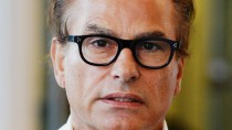 Vom Bundesverfassungsgericht kurz abgefertigt: Hans Barlach darf dem Rettungsversuch der Suhrkamp-Verlegerin Ulla Unseld-Berkewicz nicht mehr im Weg stehen