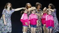 """Vier Freundinnen, durch """"rassenübergreifendes Sperma"""" geschwängert: """"Und dann kam Mirna"""", eine Fortsetzung des Mütter-Hass-Stücks von 2014"""
